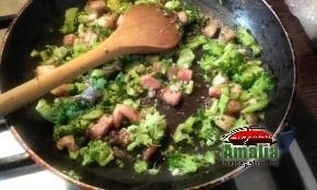 Passte cu broccoli si bacon  1
