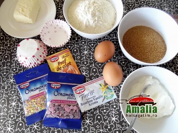 Cupcakes cu crema de zmeura 1