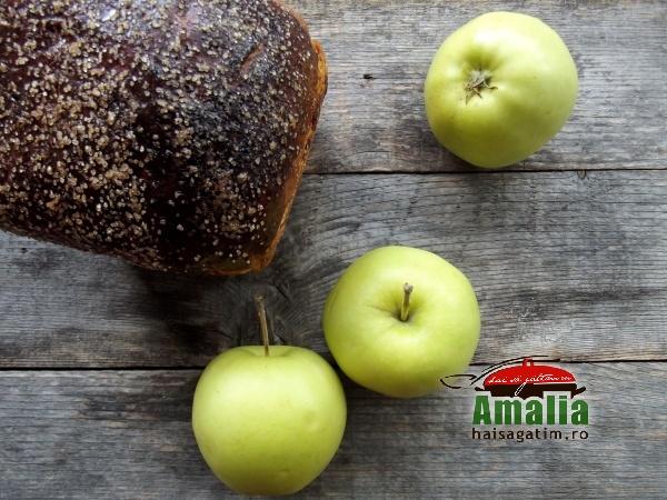 Cozonac cu mere 5