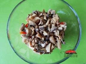 salata-cu-rosii-sunca-si-ciuperci-6