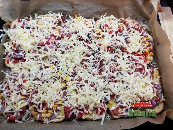 Pizza-pe-felii-de-paine-amalia-6