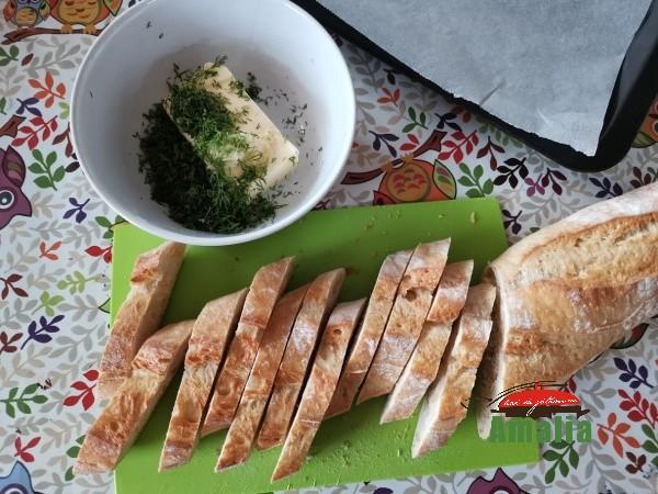 Paine-prajita-cu-usturoi-amalia-2
