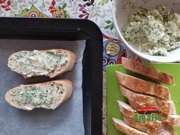 Paine-prajita-cu-usturoi-amalia-3