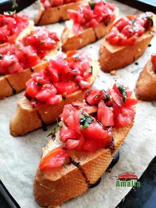 bruschete-cu-rosii-amalia-10