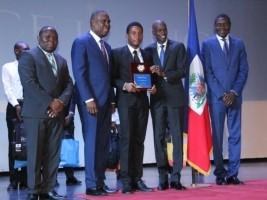 Haïti - Éducation : Le Président Moïse rend hommage aux lauréats des examens d'État