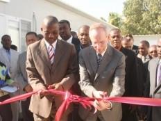 Haïti - Reconstruction : Remise des clés du Parlement et discours d'Edmond Mulet