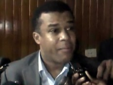 Haïti - Politique : Le Sénateur Steven Benoît votera pour Daniel Gérard Rouzier