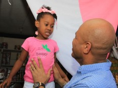 Haïti - Social : Michel Martelly à Port-de-Paix à l'occasion de la Noël