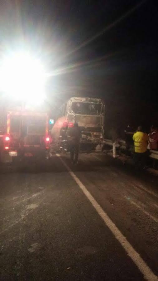 مؤسف وصادم : وفاة 11 راكبا بحريق شب بحافلة بالطريق السيار الرابط بين أكادير ومراكش