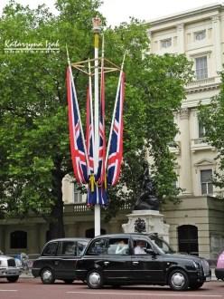 Londyńska taksówka   The Mall, Londyn, Wielka Brytania