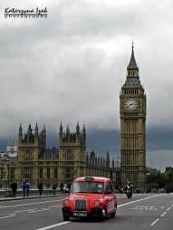 Londyńska taksówka i Elizabeth Tower (Big Ben)