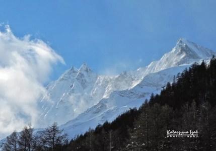 Widok z okna na najwyższe szwajcarskie szczyty...
