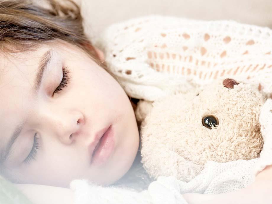 Es importante que el niño duerma solo en su cuarto