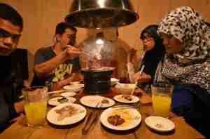 Muslim-Tiurists-Japan