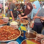 Muslims Care More About Halal Food than Halal Income, Deputy Minister Says