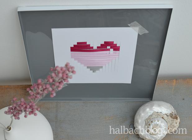 DIY-Idee halbachblog: gewebtes Herz aus Bändern und Papier zum Valentinstag