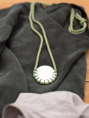 Halbachblog I DIY Kette aus Papier-Strickschlauch und Fimo