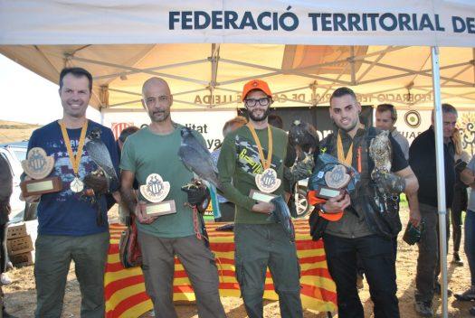 Fotografía de los cuatro campeones. De izquierda a derecha, Manel Bonilla con 'Caramelo', Raúl Rodríguez con 'Garfield', Cristian Cano con 'Llança', y Roger Camprubí con 'Apolo'