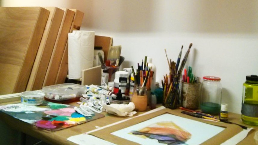 cropped-studio_desk.jpg
