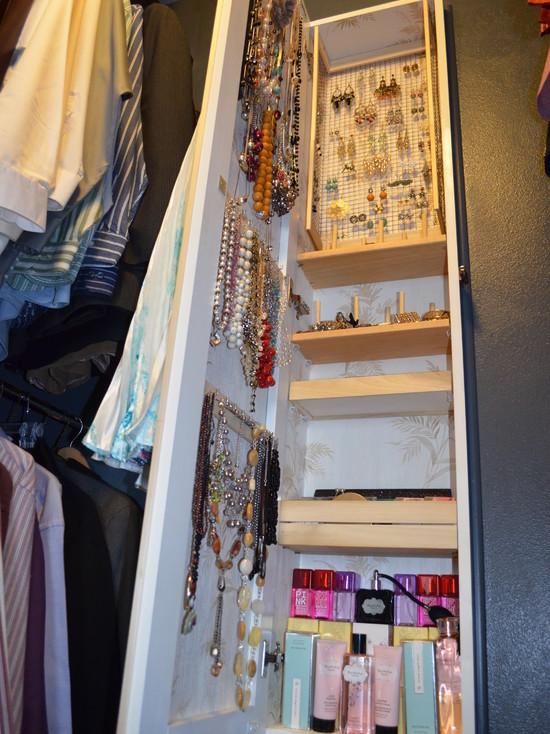 Between Studs Jewelry Armoire