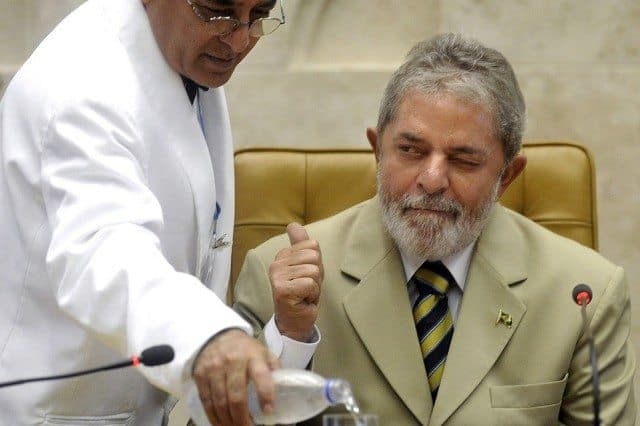 Lula Thumbs Up