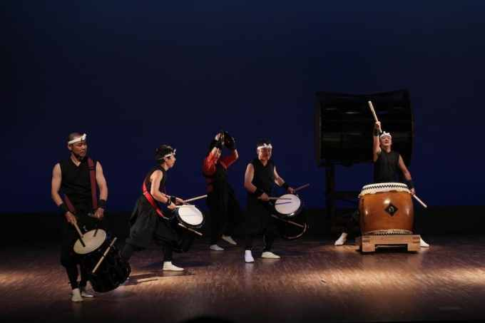 Taiko Drumming 2