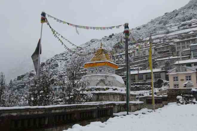 Namche Bazaar Stupa Winter Snow EBC Himalaya