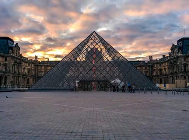 France-Paris-Louvre-Morning