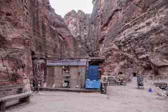 Jordan-Petra-Treasury-Shop-Morning