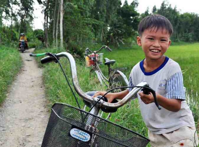 Vietnam-Bicycle-Boy