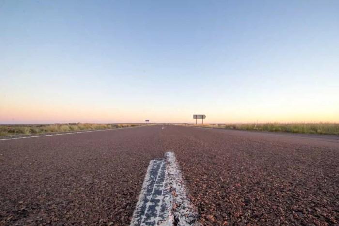 Australia-Outback-Empty-Road