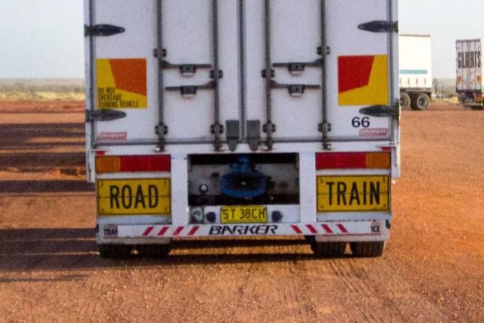 australia-outback-road-train-3
