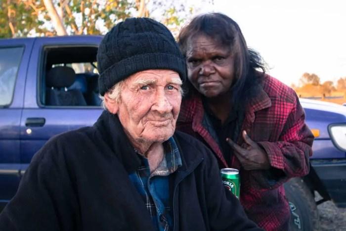 australia-outback-folk