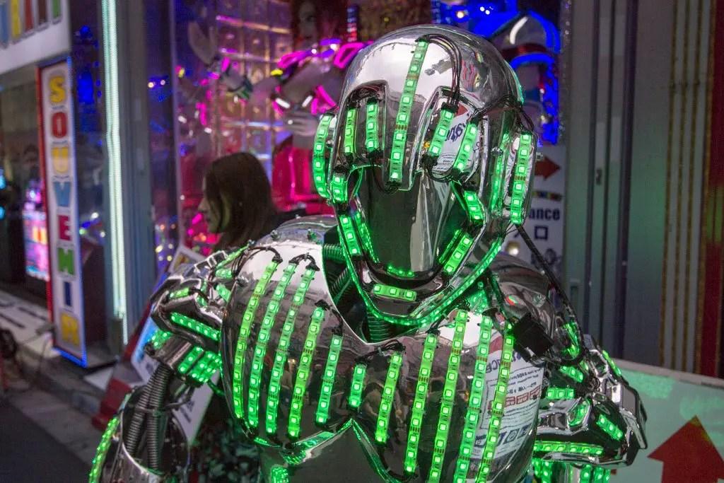 robot-restaurant-outside-1