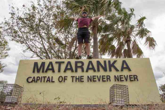 Australia-Mataranka-Welcome-Sign