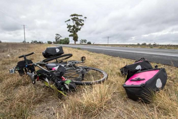 Australia-Bike-Tour-Roadside