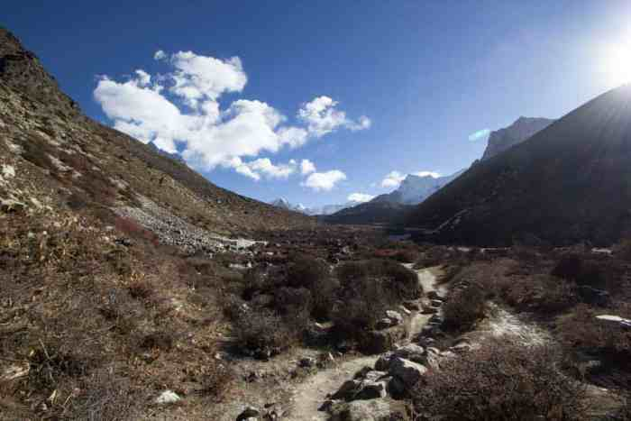 Nepal-Dingboche-Chukhung-Trail-1
