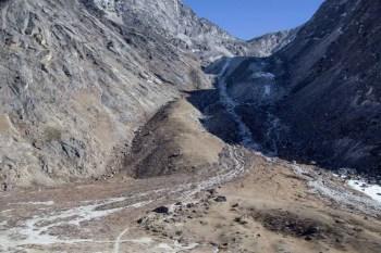 Nepal-Kongma-La-Trail-Descent