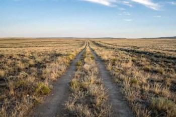 CDT-Wyoming-Basin-Road
