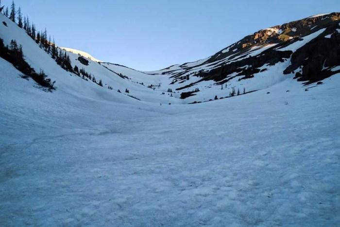 CDT-Colorado-Morning-Snow-Dark