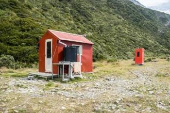 New-Zealand-Ball-Pass-Route-Ball-Hut
