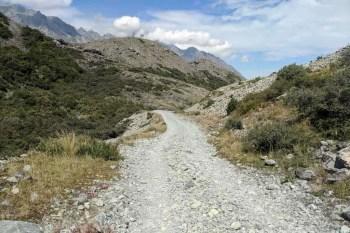 New-Zealand-Ball-Pass-Route-Tasman-Valley-Road