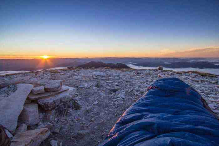 Tasmania-Frenchmans-Cap-Sunrise-Sleeping-Bag-Rocks