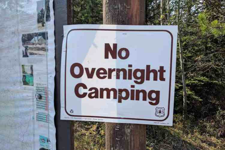 CDT Sign No Overnight Camping