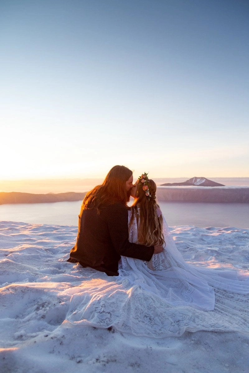 adventure elopement at crater lake