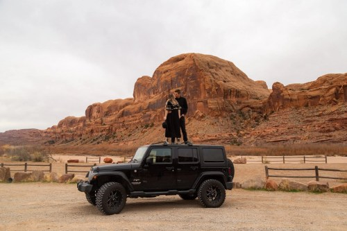 moab adventure session jeep ride to corona arch in utah