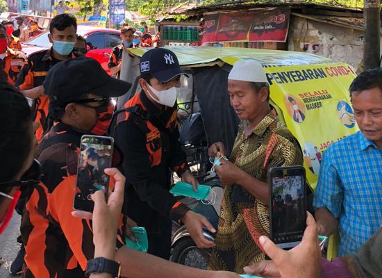 HUT PP ke 61. MPC PP Langkat Bagi 6000 Masker dan Hand Sanitizer kepada Masyarakat
