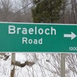 Braeloch road sign in winter