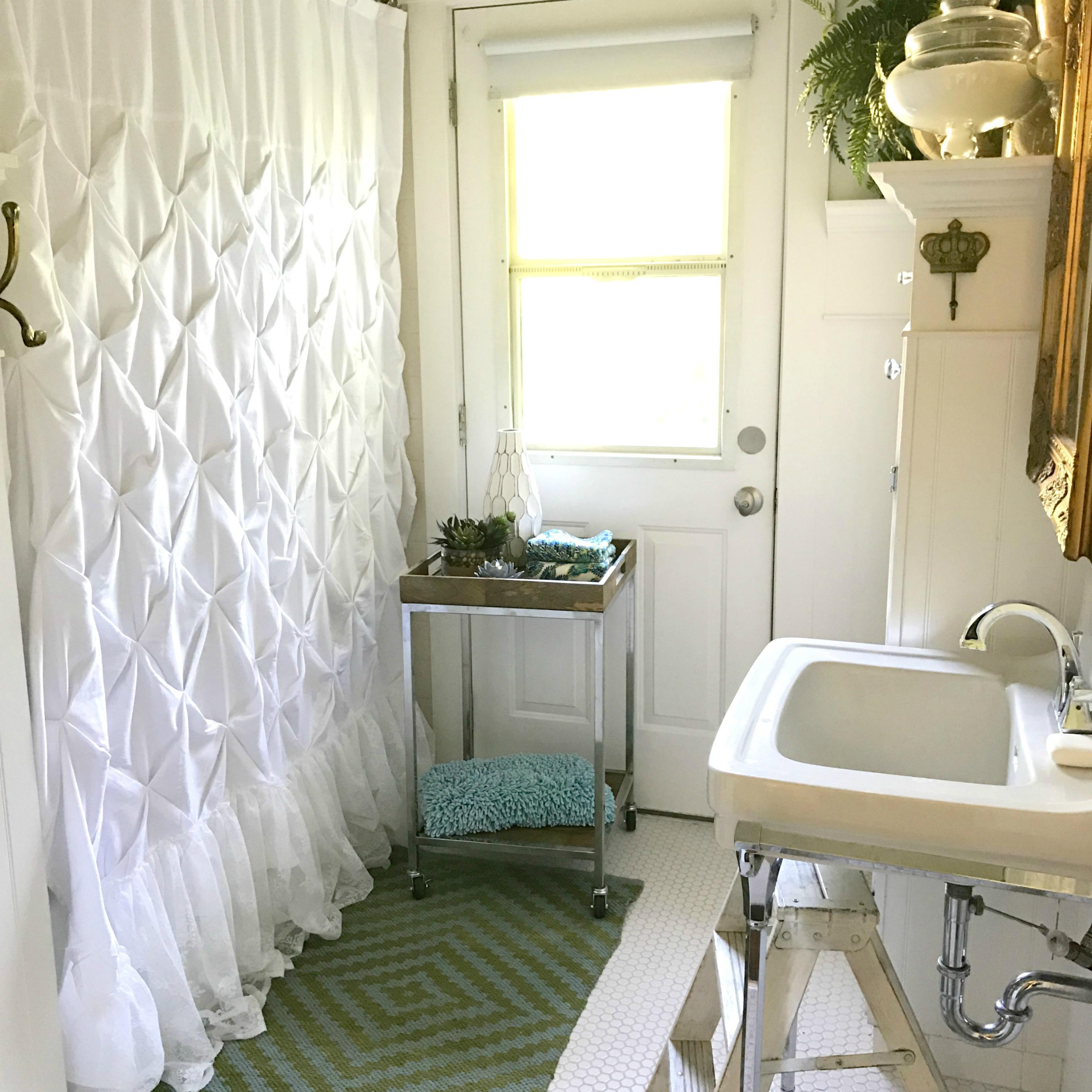 13 Beautiful Farmhouse Bathrooms Hallstrom Home