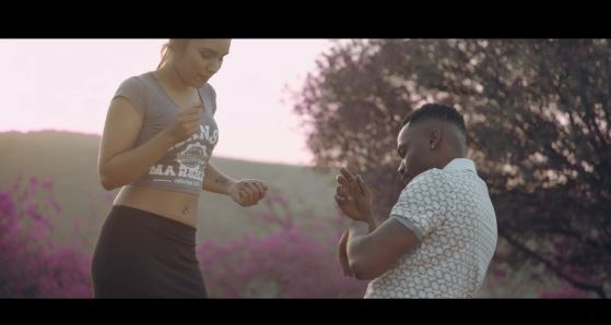 Official Video-R2bees – Beautiful